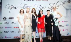 Sarah Tú thanh lịch trong bộ váy trắng tinh khôi cùng dàn sao tham dự sự kiện