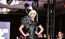 Nhà Thiết Kế Jacky Tài biến hóa nàng Hoa hậu Vân Khương đầy ma mị trong mẫu thiết kế của mình