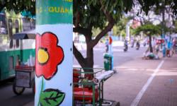 """Cột đèn ở Sài Gòn bỗng """"nở hoa"""""""