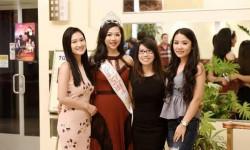 Tân Hoa hậu, Nam vương, ca sỹ hội ngộ tại tiệc VIP