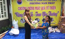 Công Ty TNHH Xây Lắp Điện Phương Nam Phát cùng chia sẻ yêu thương đến các hộ nghèo