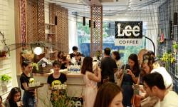 LEE mô hình thời trang kết hợp quán cà phê