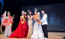 Á khôi Hồ Thanh Hương trao vương miện 1,5 tỷ đồng cho Hoa hậu doanh nhân Hoàn Vũ