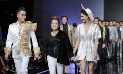 Á hậu Kim Nguyên cùng siêu mẫu Hùng Trần vedette cho BST vũ khúc mùa đông của NTK Oanh Phan