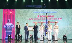 VICOSTONE vinh dự đón nhận Huân chương lao động Hạng Nhất của Chủ tịch nước Cộng hòa Xã hội chủ nghĩa Việt Nam