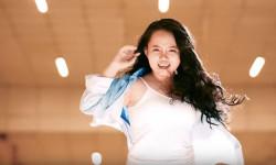 """Nhật Lan Vy 'khoe' chất giọng cao trong MV """"Girl On Fire"""""""