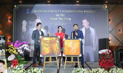 Diễn viên Đoàn Thanh Tài - Quý Bình bán tranh gây quỹ từ thiện