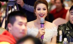 Hoa hậu Phạm Hương rạng rỡ duyên dáng trong sự kiện Elise Night