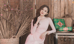 Hoa hậu Như Ý đẹp e ấp, diện áo dài đón năm mới Mậu Tuất 2018