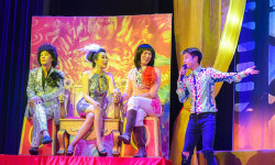 Trịnh Kim Chi phản ánh thực trạng game show hiện nay qua vở diễn mới