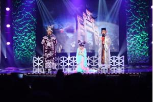 Danh hài Bảo Quốc được khán giả hải ngoại tán thưởng trên sân khấu hoành tráng của MC Entertainment
