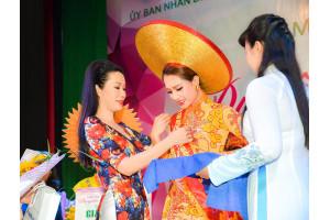Trịnh Kim Chi làm giám khảo cuộc thi Duyên dáng Áo dài quận 6