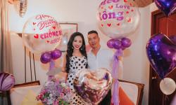 Hoa hậu Hạ My bày hoa hồng trong không gian lãng mạn đón sinh nhật ông xã