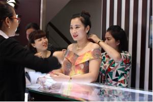 Trải nghiệm không gian mua sắm sang trọng tại TTKH PNJ Hà Nội và Ninh Thuận