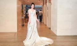 Á khôi Nguyễn Thùy Chi được nhận xét là nữ hoàng trong sự kiện Hoa hậu thế giới Florida tại Mỹ