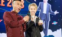 """Duy Khánh Zhou Zhou bị ép ăn món """"mì gói sữa"""" tại Fan meeting của Gil Lê"""