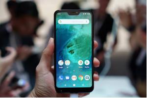 Smartphone Mi A2, Mi A2 Lite giá rẻ sắp có mặt tại Việt Nam