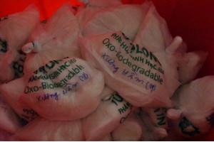"""TPHCM: Quán cơm tấm nổi tiếng hơn 10 năm bị phát hiện sử dụng nguyên liệu """"lạ"""""""